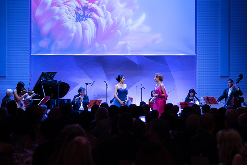 パリでのコンサートでのウィーンレジデンスオーケストラ-ルイヴィトン財団